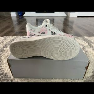 Brand new, Never worn, Women's Air Force 1 Low